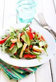 pic of rocket salad  - Rocket chicken red bell pepper and cucumber salad with vinaigrette dressing - JPG
