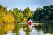 picture of bluegrass  - Kayaking on a lake - JPG