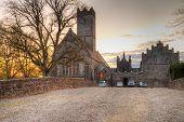 Постер, плакат: Adare аббатство ночью в графство Лимерик Ирландия