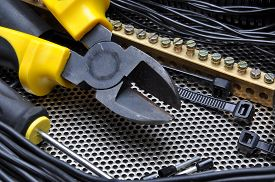 picture of wire cutter  - Cutters with electrical component kit for wiring installation - JPG