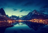 picture of reining  - sunset  in Reine Village - JPG