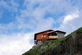 pic of chalet  - Mountain chalet on the top of the Fagaras mountains - JPG