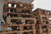 foto of wooden pallet  - Several Wooden Pallets for transportation and logistic - JPG