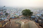 picture of trichy  - Famous Rockfort Ucchi Pillayar Temple in Tiruchirappalli  - JPG