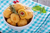 picture of olive shaped  - Italian Appetizer Olives baked in cheddar dough - JPG