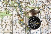 picture of compasses  - The magnetic compass and topographic map - JPG