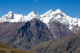 picture of himachal  - Rohtang Pass which is on the road Manali  - JPG