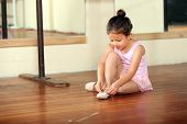 picture of girlie  - Cute little girl practicing her ballet - JPG