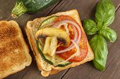 Toasted bread with grilled vegetables