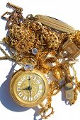 Постер, плакат: Cash for Gold aka CASH 4 GOLD Turn your old broken Jewelry and Gold into Cold Hard CASH when you t