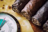 picture of cigar  - close - JPG