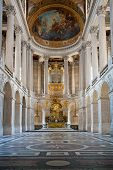 pic of versaille  - Great Hall Ballroom in Versaille Palace Paris France - JPG