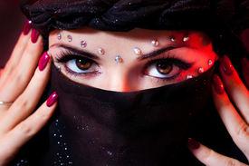 picture of yashmak  - arabian woman close - JPG