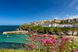pic of verbs  - Cove and harbour of Port Isaac - JPG