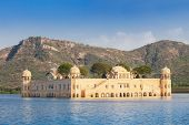 pic of palace  - Jal Mahal  - JPG
