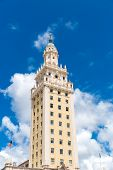 picture of freedom tower  - The Freedom Tower in Miami - JPG