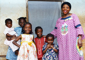 foto of overpopulation  - Family with pregnant African woman with five daughters - JPG