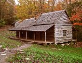 image of log cabin  -  preserved log cabin in tennessee - JPG
