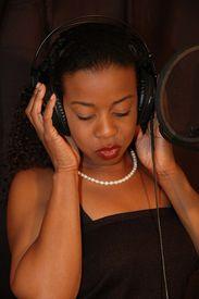 picture of recording studio  - singer in studio i - JPG