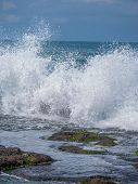 pic of tanah  - Amazing landscape at The Tanah Lot Temple - JPG
