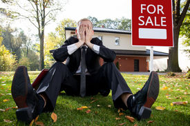 picture of house representatives  - Resigned house agent having problem with selling house - JPG