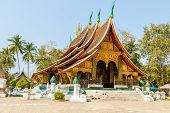 picture of thong  - LUANG PRA BANG  - JPG