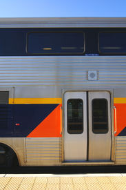 pic of amtrak  - Entry doors passenger car of Amtrak California - JPG