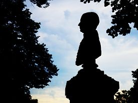 picture of politician  - Silhouette busts kind of poet - JPG