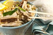 image of gai  - Delicious Chicken Pad Thai with lemon and white rice - JPG