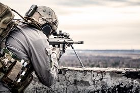 picture of army soldier  - U - JPG