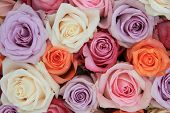 pic of flower arrangement  - Bridal flower arrangement with roses in many pastel colors - JPG