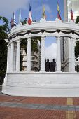 pic of guayaquil  - rotunda with statues on malecon 2000 guayaquil ecuador south america - JPG