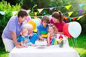 image of big-girls  - Happy big family  - JPG