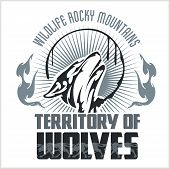 picture of wolf moon  - Howling Wolf emblem  - JPG