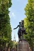 foto of paul revere  - Paul Revere Monument found in Bostons North End on the freedom trail - JPG