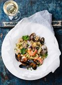 image of clam  - Seafood pasta and wine  - JPG