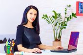 foto of pro-life  - confident business woman working in the office