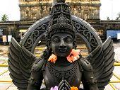 picture of belur  - A beautiful sculpure seen in Belur - JPG