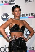 LOS ANGELES - NOV-24: Rihanna im Presseraum 2013 American Music Awards im Nokia Theater auf Nove