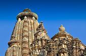 foto of khajuraho  - Sculptors at top of Vishvanatha Temple  - JPG