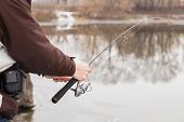 picture of fisherman  - Rest in winter fishing - JPG