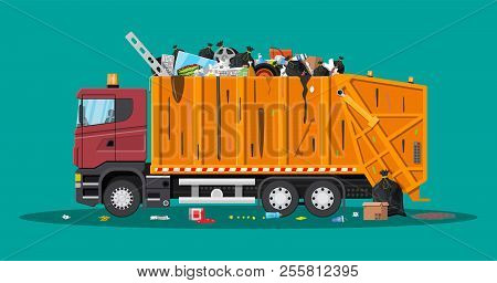 Truck Assembling Transportation Garbage Overflowing