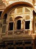 picture of rajasthani  - Engraved window of a rajasthani haveli  - JPG