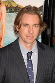 Dax Shepard at the Los Angeles Premiere of 'Couples Retreat'. Mann's Village Theatre, Westwood, CA.