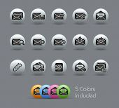 E-mail Icons // Pearly Series -------It includes 5 color versions for each icon in different layers