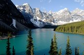 Moraine Lake,canadian Rockies,canada