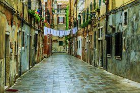 foto of tenement  - Venice - JPG