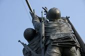 pic of iwo  - The US Marine Corps War Memorial is located near Arlington National Cemetery in Rosslyn Virginia - JPG