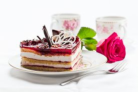 foto of torte  - Photograph of a tasty torte with jelly - JPG