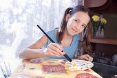 Постер, плакат: Позитивные Schoold девушка живопись на дому